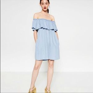 Zara off the shoulder dress great condition size L